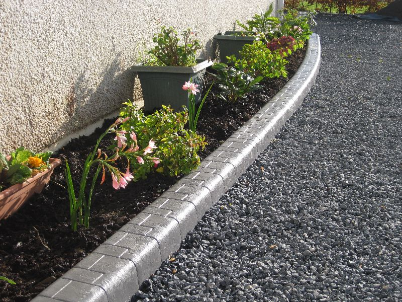 Garden lawn edging garden border edging and lawn edging for Quik curb